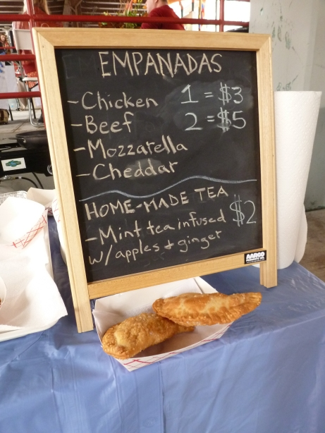 Fried to Order Emapadas from @tantosabor