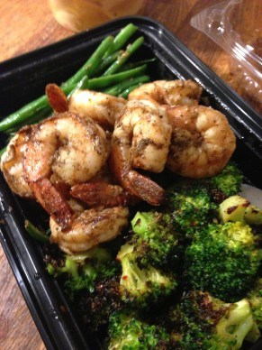 Jerk shrimp with green beans and broccoli @evelynskitchen 2