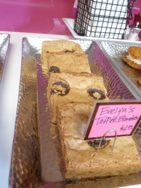Toffee Blondies @ Evelyn's Kitchen