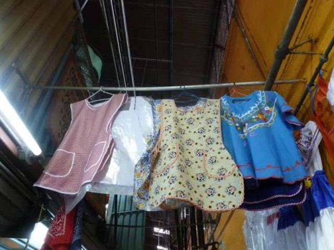 Aprons for sale in Mercado Central